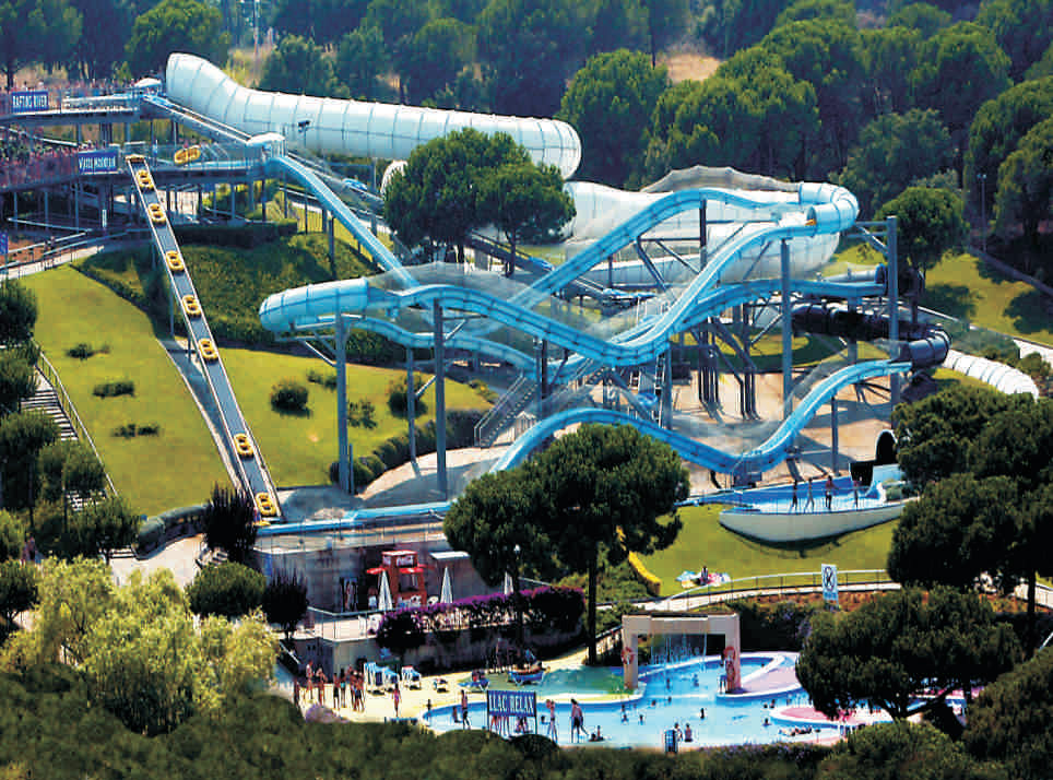 Waterworld à 3km parc aquatique + saut élastique 80m